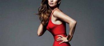 Сексуальная Джей Ло украсила обложку Vogue