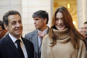 Беременная жена Саркози хочет пить и курить