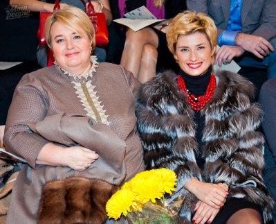 Ирина Ванникова (справа)