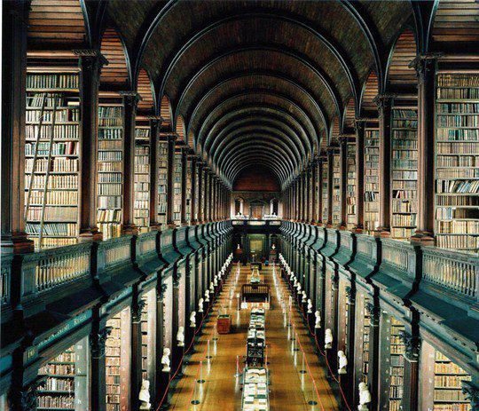 Библиотека Тринити-колледжа в университете Дублина