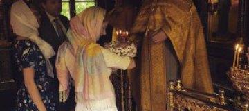 Лена Катина покрестила сына