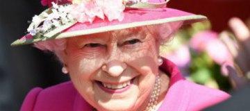 Королева Елизавета II посетила London Fashion Week