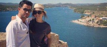 Ани Лорак продолжает отпуск по Европе в компании супруга