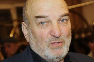 Актер Алексей Петренко сломал ногу в метро