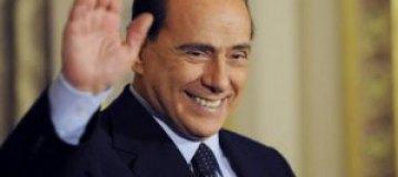 Роналду и Клуни будут защищать Берлускони в суде
