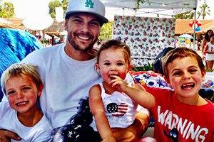 Экс-супруг Бритни Спирс стал отцом в шестой раз