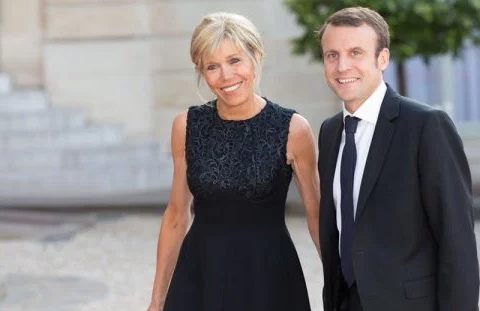 Столовый сервиз Макронов за 50 тысяч евро возмутил французов