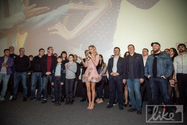 Вера Брежнева с командой фильма