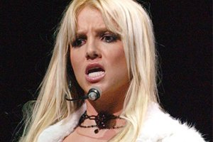 Жених Бритни Спирс изменял ей с проститутками