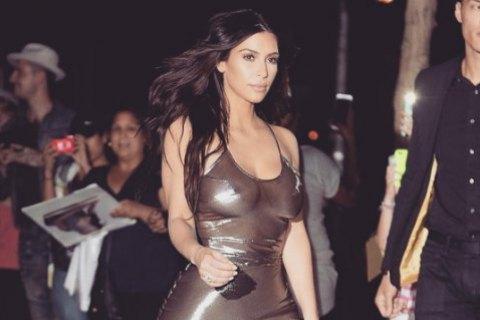 Ким Кардашьян захватили в отельном номере и ограбили на десять миллионов