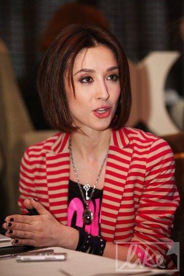 Аня Завальская долго решалась на сольную карьеру