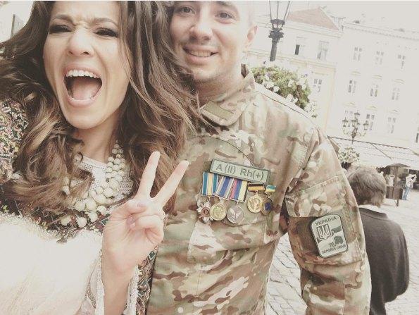 А для 27-летнего Евгения Терехова это уже второй брак