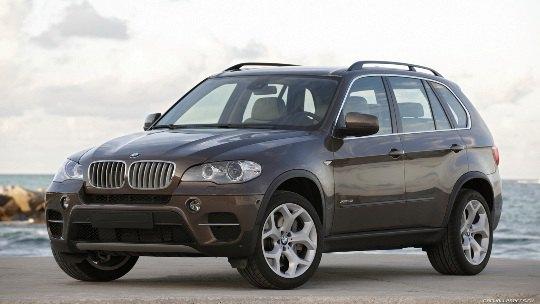 На таком BMW X5 Дюжев наехал на девочку