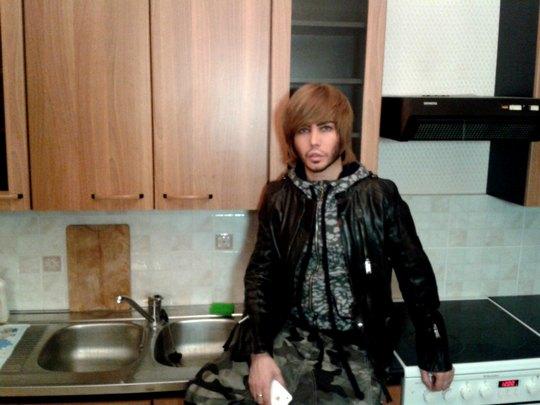 Сергей Зверев в подаренной ему квартире
