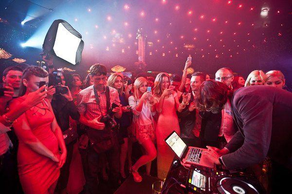 Фредерик Бегбедер отыграл в SKYBAR DJ-сет