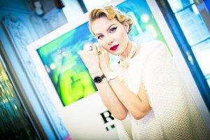 Рената Литвинова открестилась от поддержки Путина