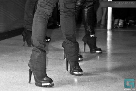 В такой обуви выступают украинские Kazaky