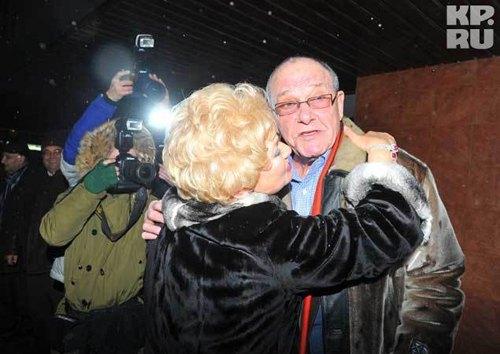 Людмила Нарусова счастлива: она наконец-то дождалась свадьбы дочери! Свёкру Эммануилу Виторгану Ксения пришлась по вкусу