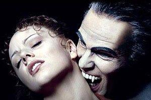 """В США девушку покусал """"500-летний вампир"""""""