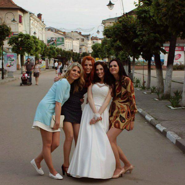 Ярина Хемий поделилась в соцсети первыми снимками со свадьбы