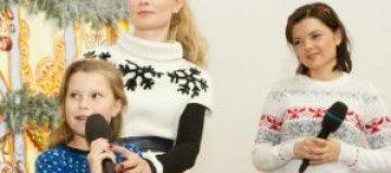 """Лидия Таран, Маричка Падалко и Фома из """"Мандр"""" сводили детей на """"Рождественский арсенал"""""""