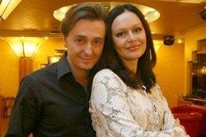 Жена Безрукова тяжело переносит беременность