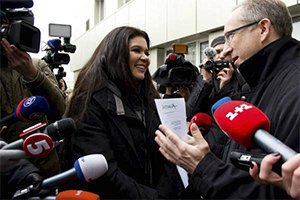 Руслана встретилась с послом ЕС и устроила флешмоб