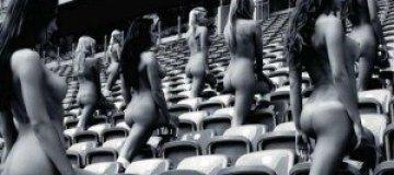 """Польские модели разделись в поддержку """"Евро-2012"""""""