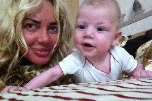 Маша Малиновская без макияжа показала сына