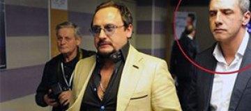 Телохранитель Стаса Михайлова набросился на журналистов