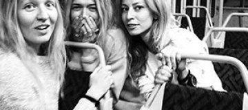 Брежнева проехалась с подружками в трамвае
