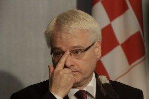 Президент Хорватии на полчаса застрял в лифте