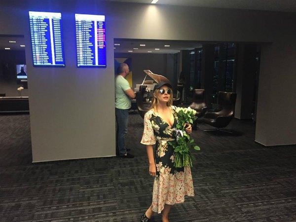 Тина Кароль прилетела в Юрмалу