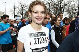 Наталья Водянова пробежала марафон