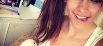 Дочь Майкла Джексона оклеила спальню фотографиями отца