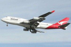 Клиента авиакомпании продержали на телефоне 15 часов