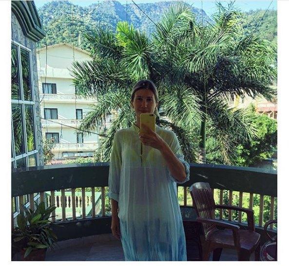 Муж отправил Аниту Луценко просветляться в Индию