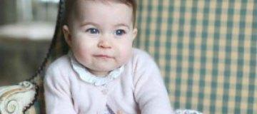 Королевская семья показала подросшую принцессу Шарлотту