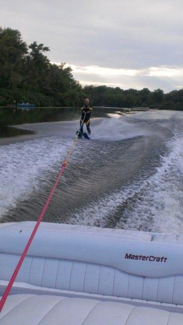 Вадим Красноокий освоил водные лыжи