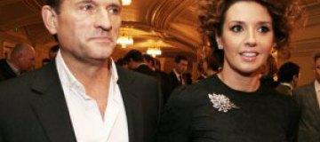 Муж Оксаны Марченко критикует ее платья