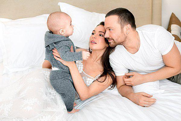 Алексей Чадов и Агния Дитковските с сыном