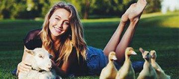 Ева Бушмина посвятила фотосессию защите животных