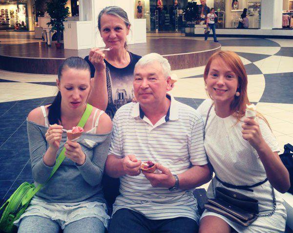 Светлана Тараброва с семьей
