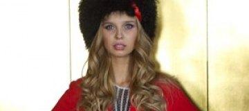 """""""Мисс Украина Вселенна-2012"""" везет с собой на дефиле саблю"""