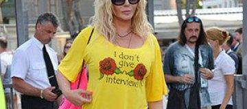 """В Юрмале Ирина Билык щеголяла в футболке с надписью: """"Я не даю интервью"""""""
