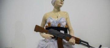 Киевский бомонд открыл выставку в Арсенале