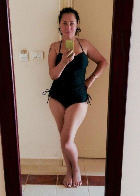 Алена Мозговая впечатлила поклонников снимком в купальнике