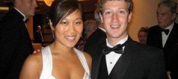 Цукерберг познакомился с будущей женой в очереди в туалет