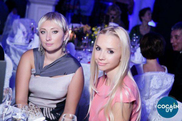 Ирина Турбаевская (справа) с подругой Викторией Тигипко