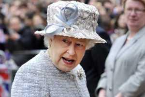 Трусики королевы Елизаветы II продали за $18 тыс.